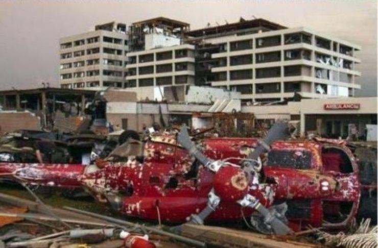 Miasto po przejściu tornado 24