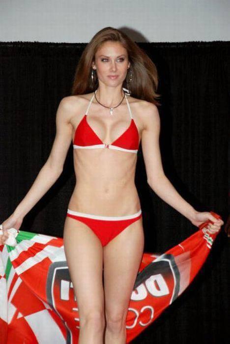Dziewczyny Ducati 13
