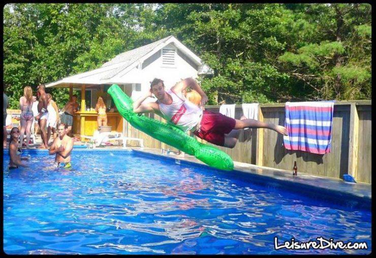 Zabawne zdjęcia przy skokach do basenu 5