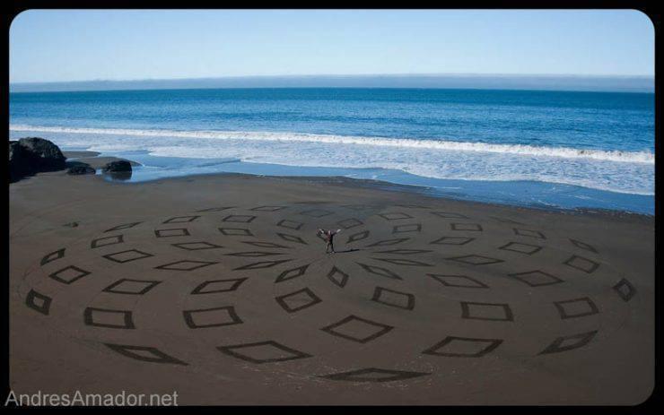 Land art na plaży 9