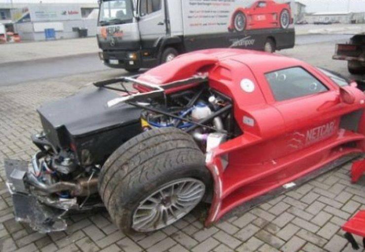 Wypadki najdroższych samochodów 29