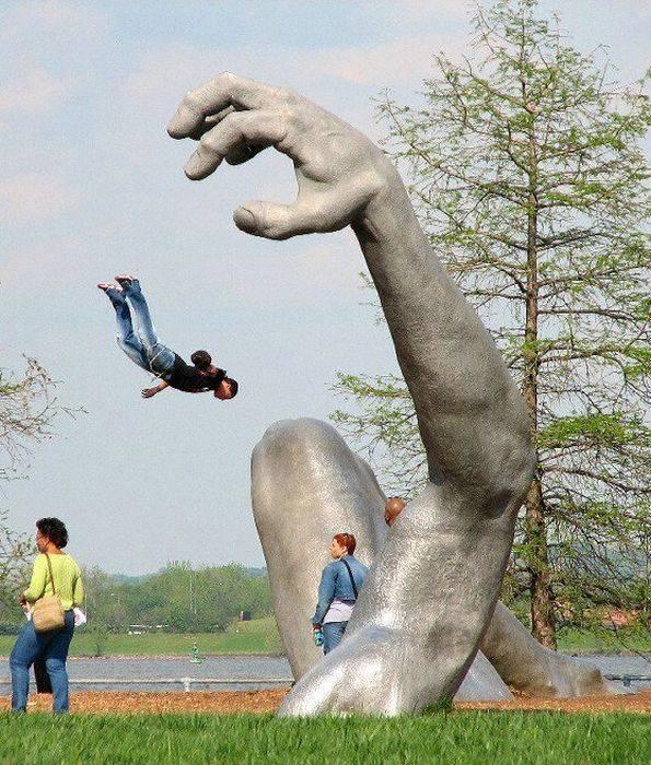 Nietypowe rzeźby i pomniki 30