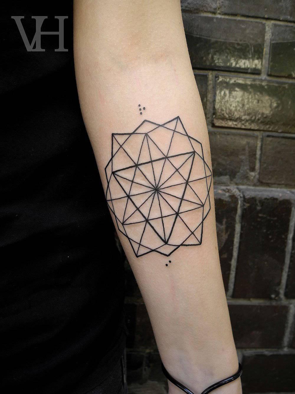Geometryczne tatuaże 3
