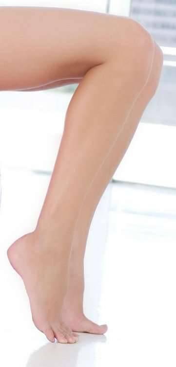 Długie, seksowne nogi 9