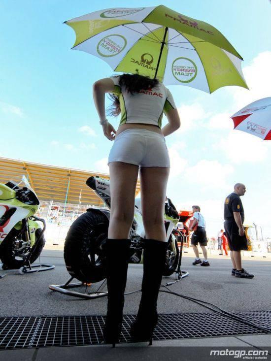 Dziewczyny z MotoGP 2010 25