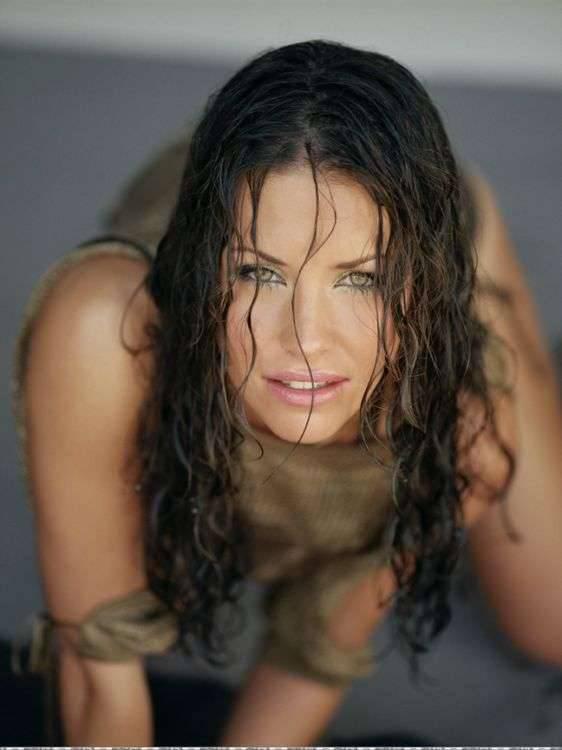 Evangeline Lilly 53
