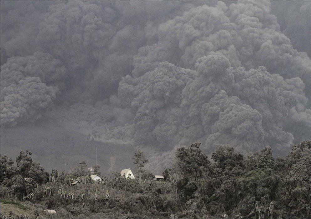 Erupcja wulkanu Sinabung 9
