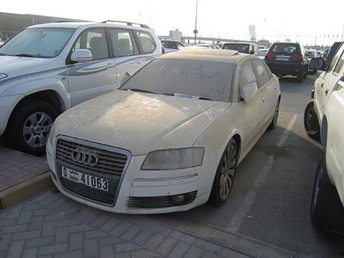 Opuszczone samochody Dubaju 6