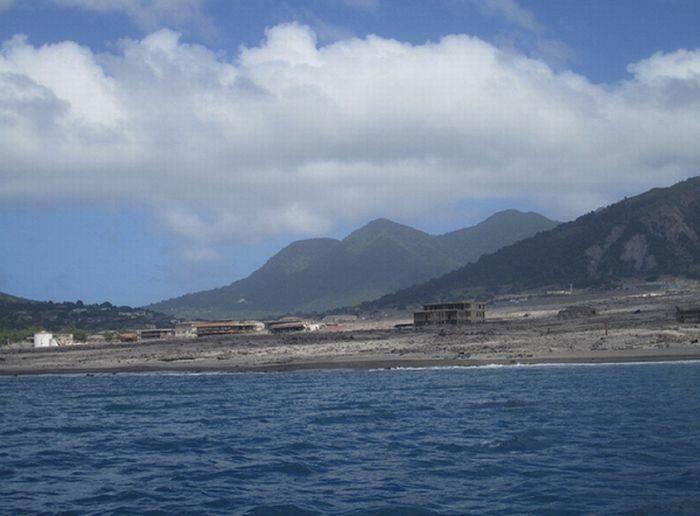 Miasto po erupcji wulkanu 34