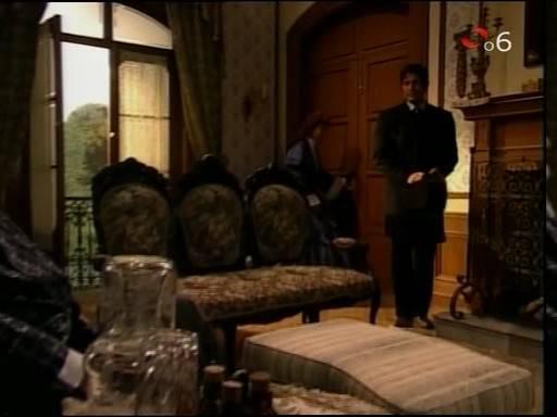 Manuel llega a casa de los Peñalver, lo recibe un recuperado Hilario ...