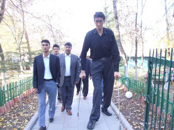 Rekor Baru: Sultan Kosen Manusia Tertinggi di Dunia, Tinggi 2,47 Meter 4652982154805ac7f09d09ce4c5168b74674b0c