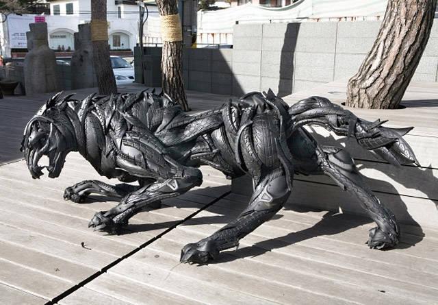 15 esculturas hechas con neumaticos