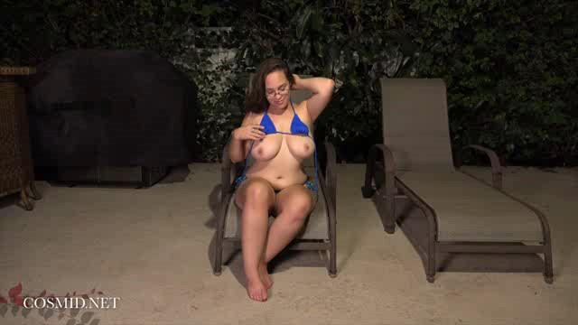 Cosmid 18 09 19 Sophie Barnes Sophies Bikini XXX