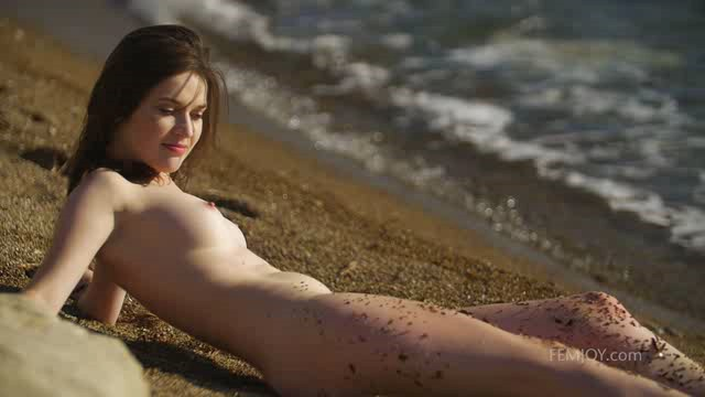 FemJoy 19 09 07 Serena J Wet On The Sand XXX